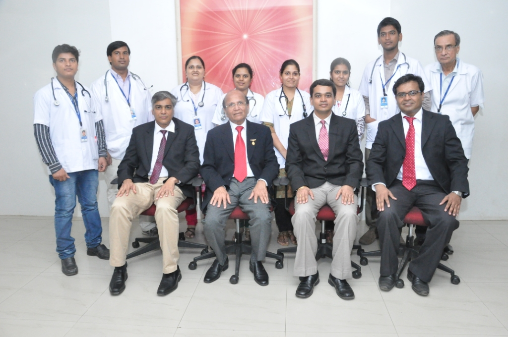 RMOs with Mediacal Supretendant Dr Narayan Khandelwal &  Dr Ashok Mehta Medical Director